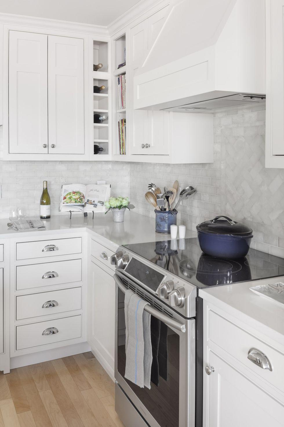 Kitchen Backsplash Designs for a Modern Room