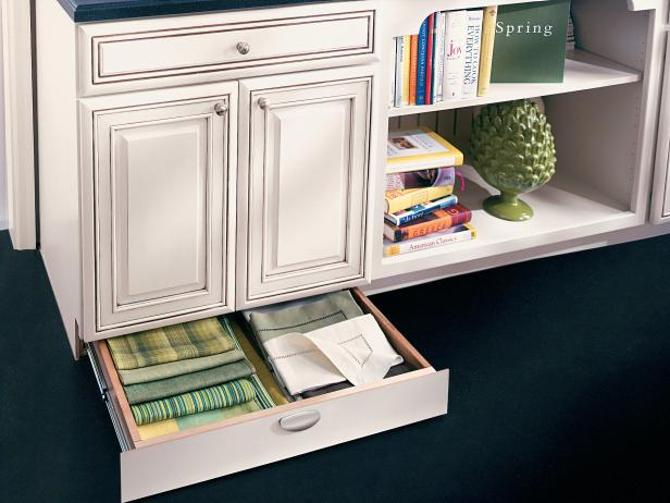 How to Pick Kitchen Cabinet Drawers | HGTV