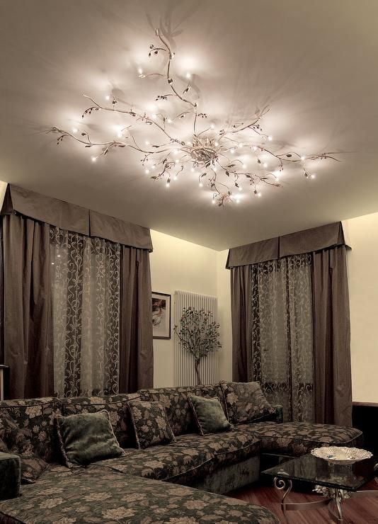 Mesmerize your guests with these gold contemporary style ceiling