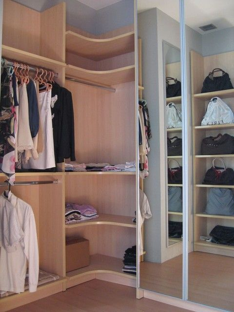 Modern Corner Closet Offers Best Storage   Solution