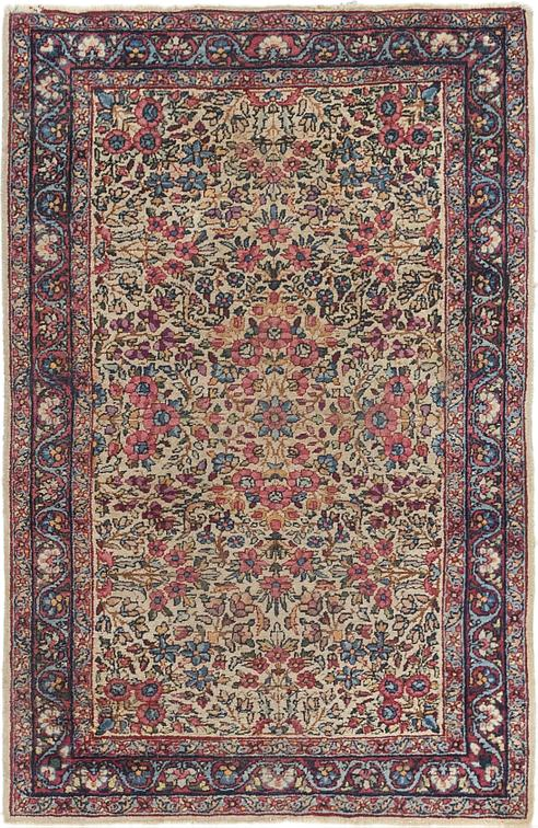 Oriental Rug for Stunning Living Room   Furnishing