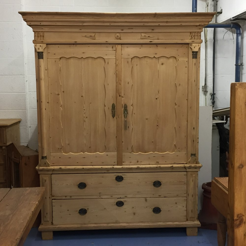Very Large Antique Pine Linen Press (R7508E) u2014 Pinefinders Old Pine