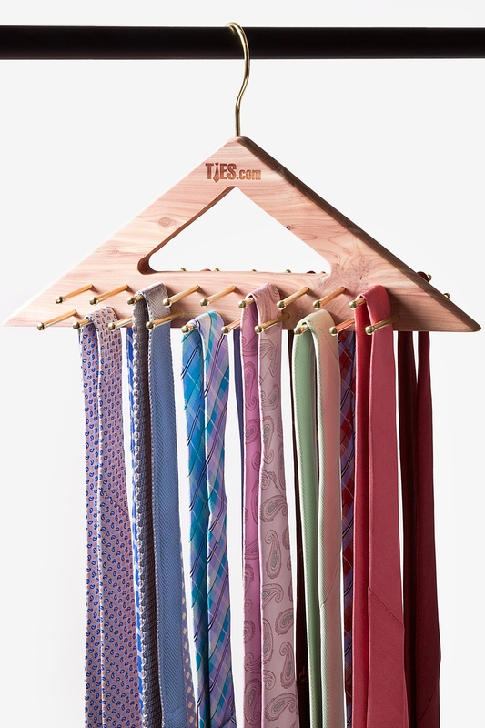 Cedar Triangle Hanging Tie Rack | Ties.com