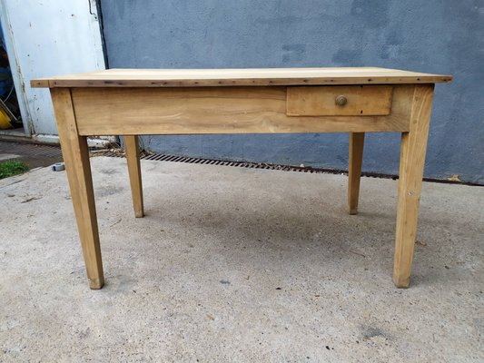 Antique Farmhouse Kitchen Table for sale at Pamo