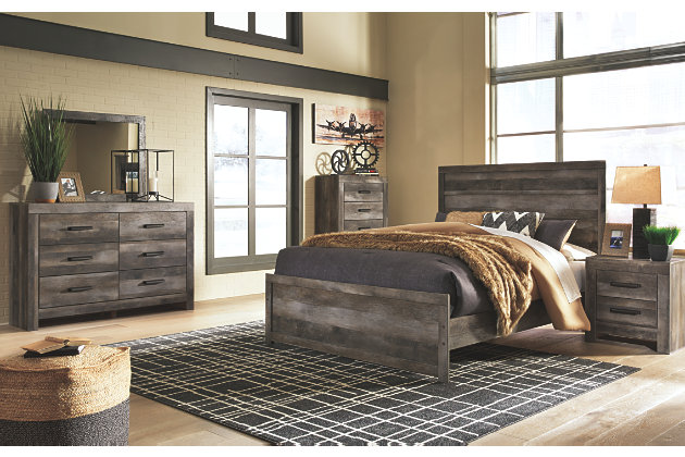 Wynnlow Queen Panel Bed | Ashley Furniture HomeSto