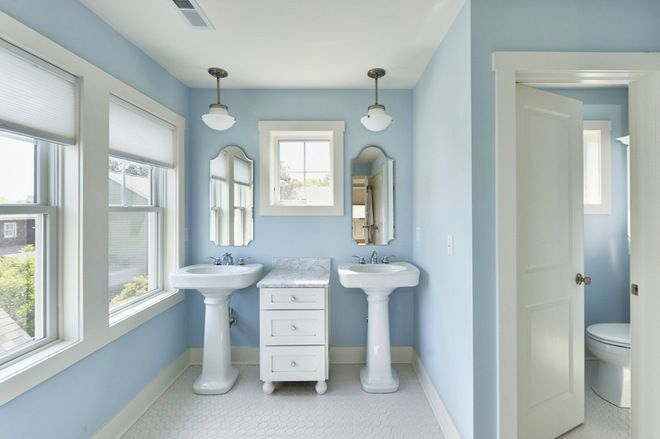 Crown Your Pedestal Sink With a Fitting Mirror | Traditional .