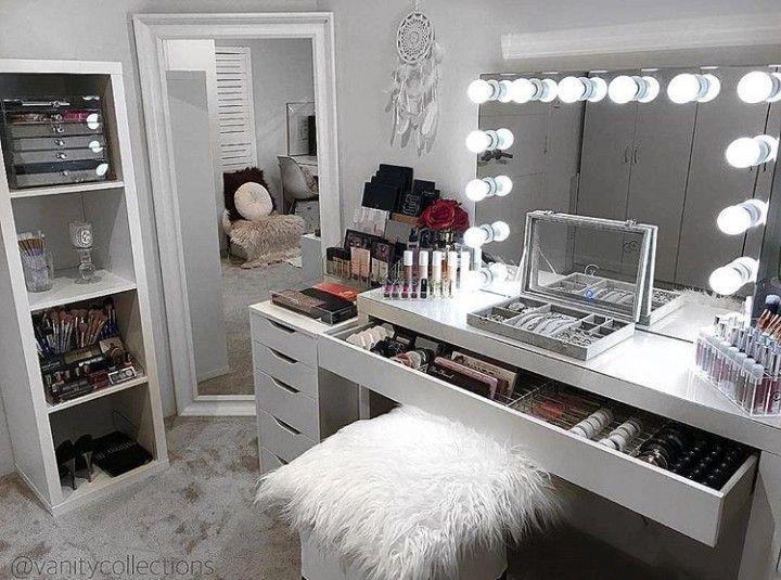 Makeup Vanity Idea | Bedroom makeup vanity, Beauty room decor .