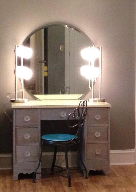vanity desk lights | Bedroom vanity with lights, Bedroom vanity .