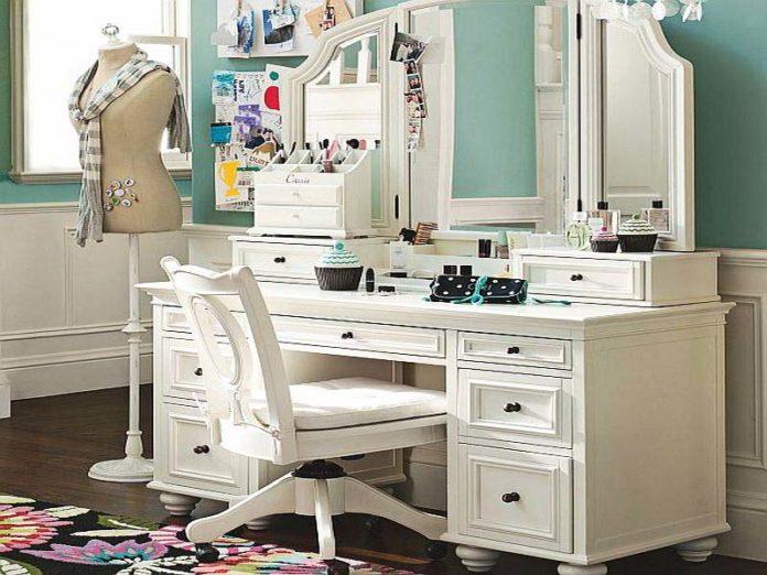 Bedroom vanities with classic and modern desi