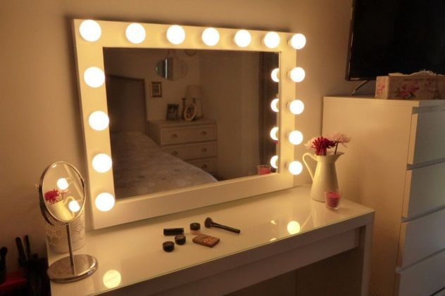 Bedroom Vanity With Lights Modern   Decoration Style