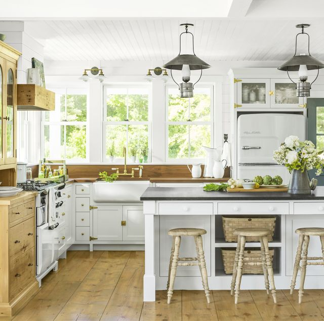Best Paint For Kitchen Cabinets White and   Yellow