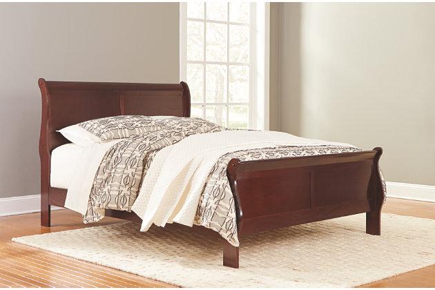 Alisdair Queen Sleigh Bed | Ashley Furniture HomeSto