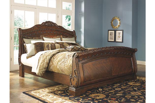 North Shore Queen Sleigh Bed | Ashley Furniture HomeSto