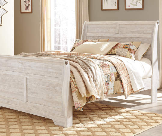 Signature Design by Ashley Willowton Queen Bed | Big Lo