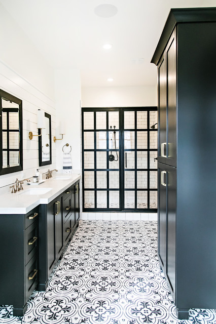 Amazing Black and White Floor Tile Patterns Bathroom Farmhouse .