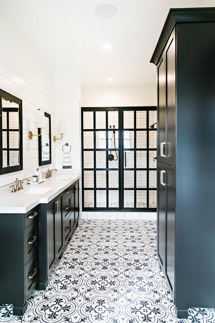 Amazing Black and White Floor Tile Patterns Bathroom Farmhouse .