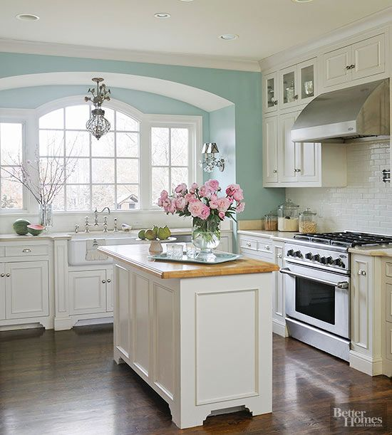Before and After Kitchen Makeovers | Popular kitchen paint colors .