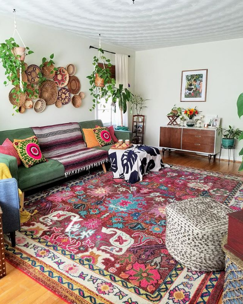 Colorful Rug in 2020 | Bohemian house decor, Colorful room decor .