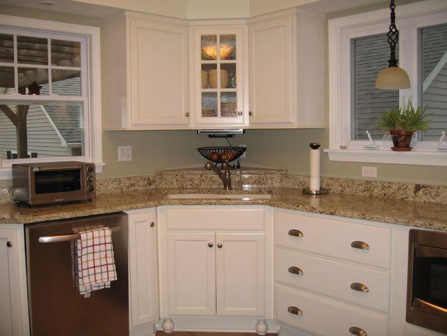 Seeded glass corner cabinet | Corner kitchen cabinet, Kitchen wall .