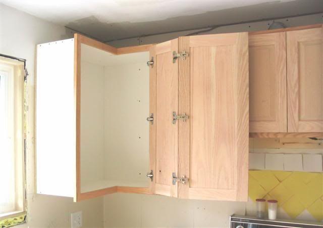 Kitchen | Corner kitchen cabinet, Kitchen cabinets upper corner .