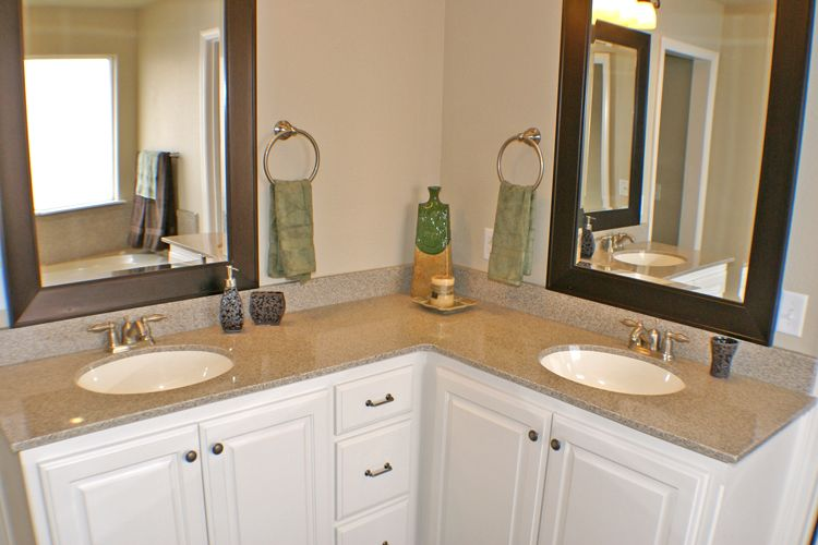 Pin by Amanda Swan on Dream Home | L shaped bathroom, Bathroom .