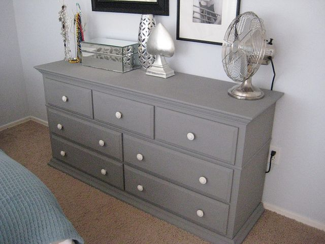 Pin by Ann Essy on Our Home | Painted bedroom furniture, Grey .