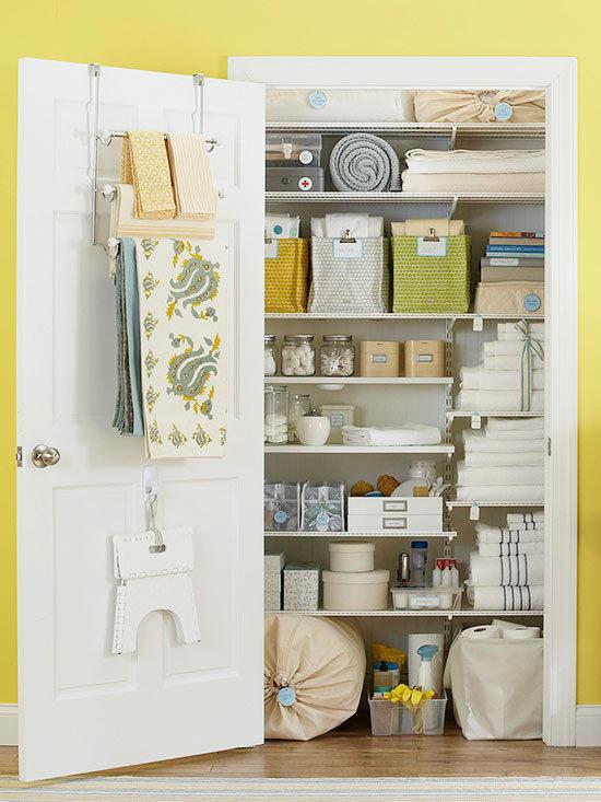 20 Beautifully Organized Linen Closets | The Happy Hous
