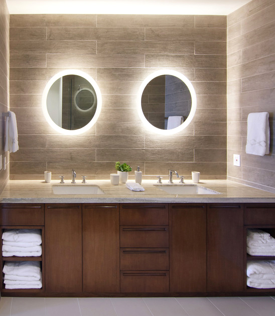 Bathroom Vanity Lighting: Ideas and the 2+1 Design Rule | Lights .