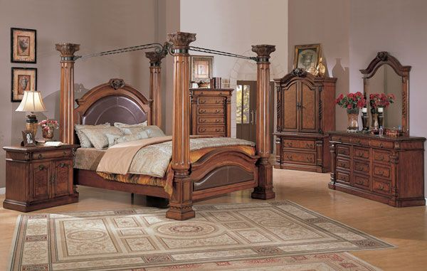 OMG! This is aVery classy king bedroom sets, i wish i had on