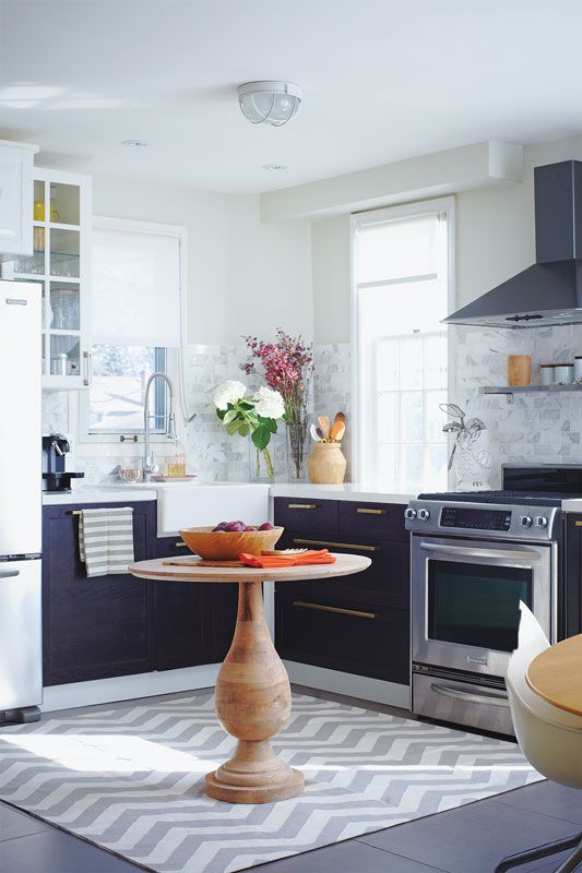 20 Small Kitchens That Prove Size Doesn't Matter - House & Ho