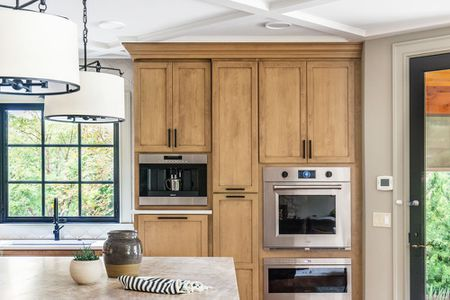 10 Kitchen Paint Colors That Work With Oak Cabine
