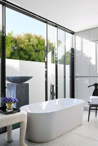 30+ Stunning White Bathrooms - How to Use White Tile and Fixtures .