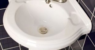 corner pedestal sinks for small bathrooms | Gaston Corner Pedestal .