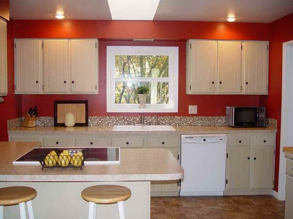Color combinations for kitchen | Red kitchen walls, Red kitchen .