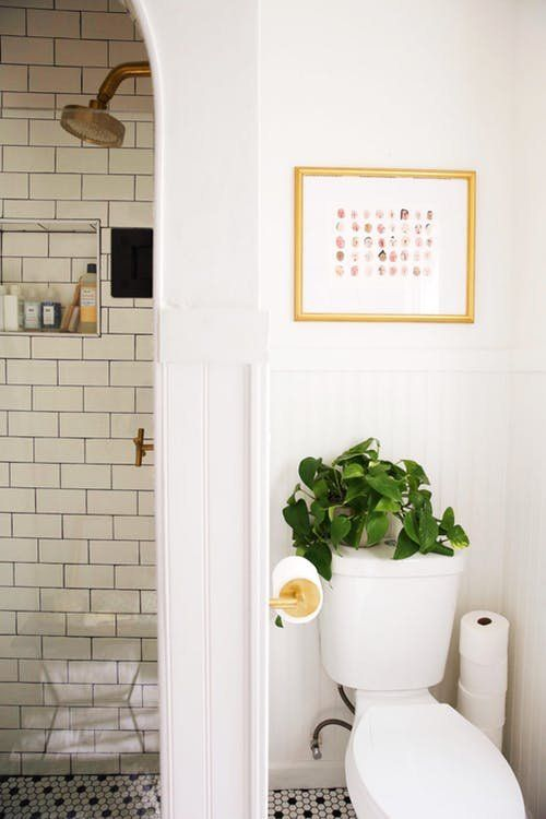 7 Small Bathroom Remodels That Totally Wowed Us | Bathroom design .