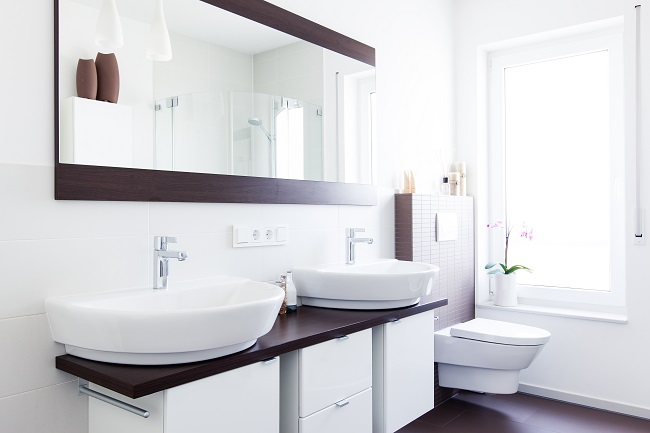 12 Super Smart Small Bathroom Ideas - Zing Blog by Quicken Loa