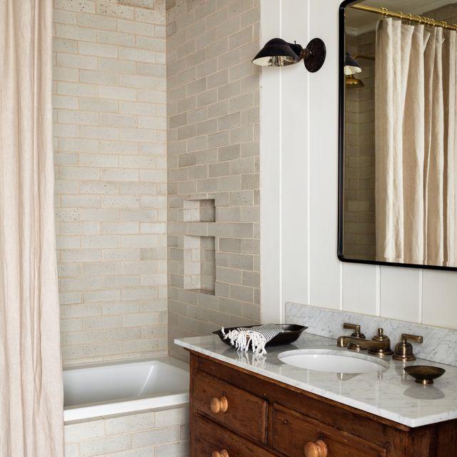15 Best Subway Tile Bathroom Designs in 2020 - Subway Tile Ideas .