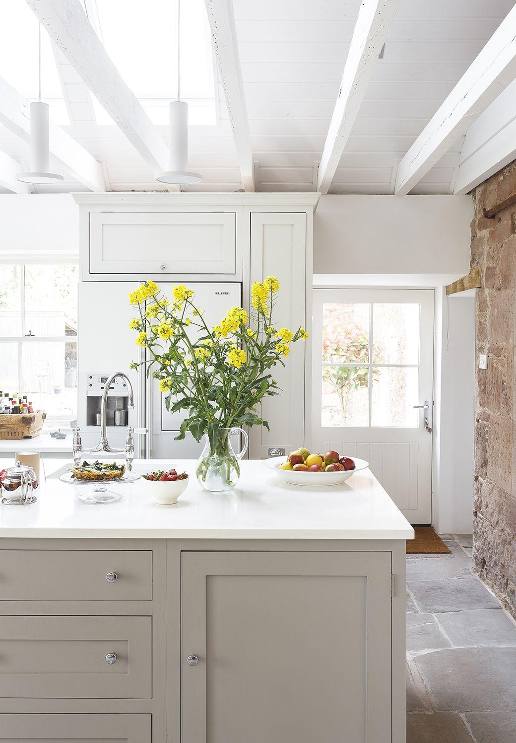 Cozy Farmhouse Kitchen Lighting